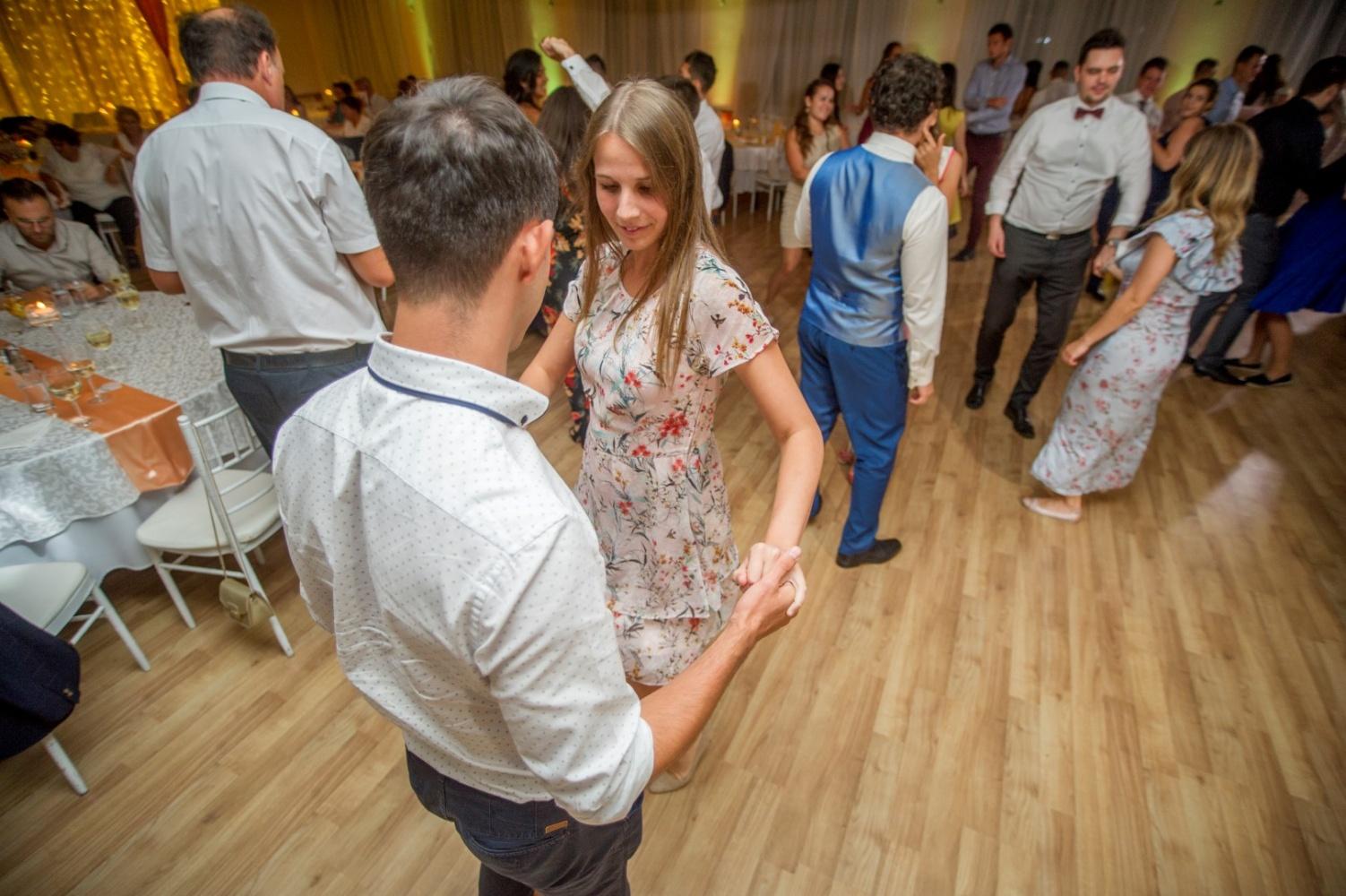 http://www.fotoz.sk/images/gallery-31/normal/eskuvo_dunaharaszti-rendezvenyhaz_595.jpg