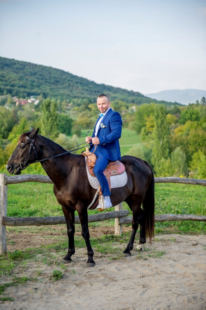 http://www.fotoz.sk/images/gallery-37/normal/svadobny-fotograf_eskuvoi-fotos_lacny-fotograf_fotograf-na-svadbu_juraj-zsok_fotograf-nitra_fotograf-galanta_juraj-zsok059.jpg