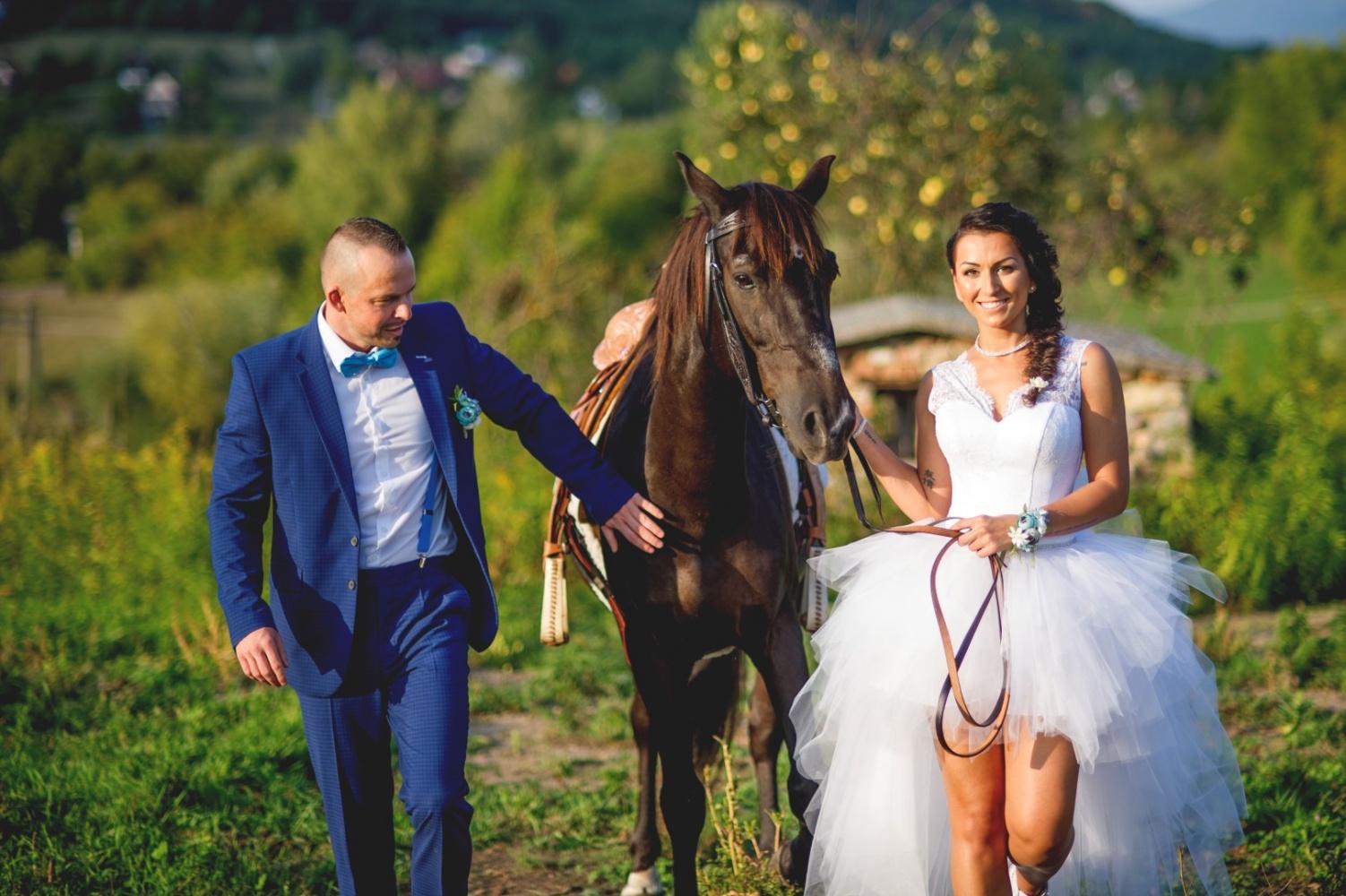 http://www.fotoz.sk/images/gallery-37/normal/svadobny-fotograf_eskuvoi-fotos_lacny-fotograf_fotograf-na-svadbu_juraj-zsok_fotograf-nitra_fotograf-galanta_juraj-zsok092.jpg