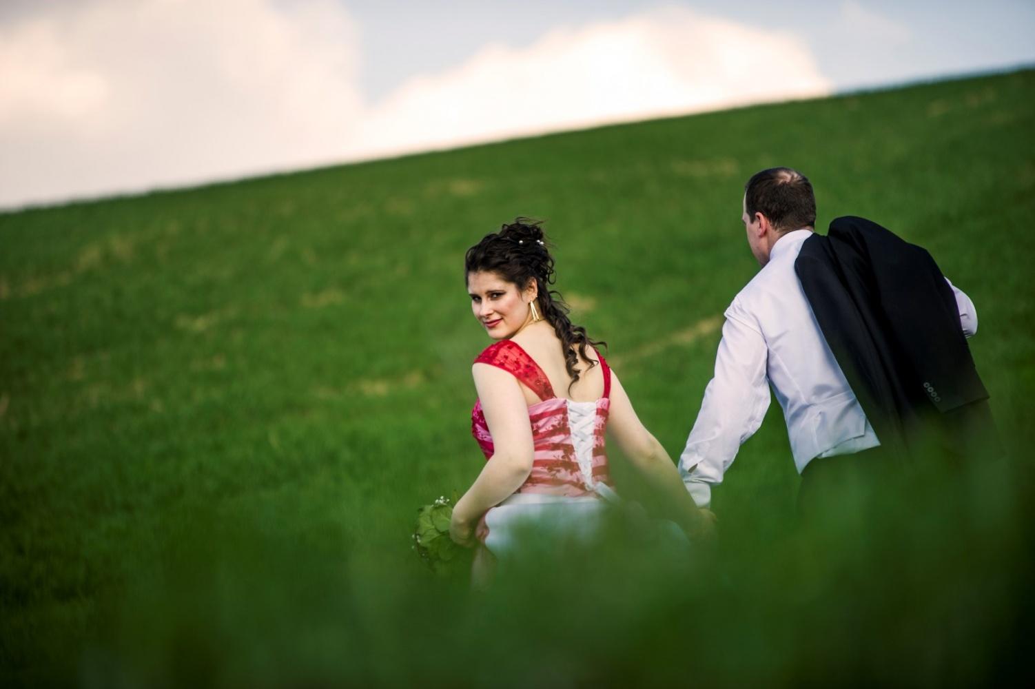 http://www.fotoz.sk/images/gallery-39/normal/svadobny-fotograf_eskuvoi-fotos_lacny-fotograf_fotograf-na-svadbu_juraj-zsok_fotograf-nitra_fotograf-galanta_juraj-zsok238.jpg