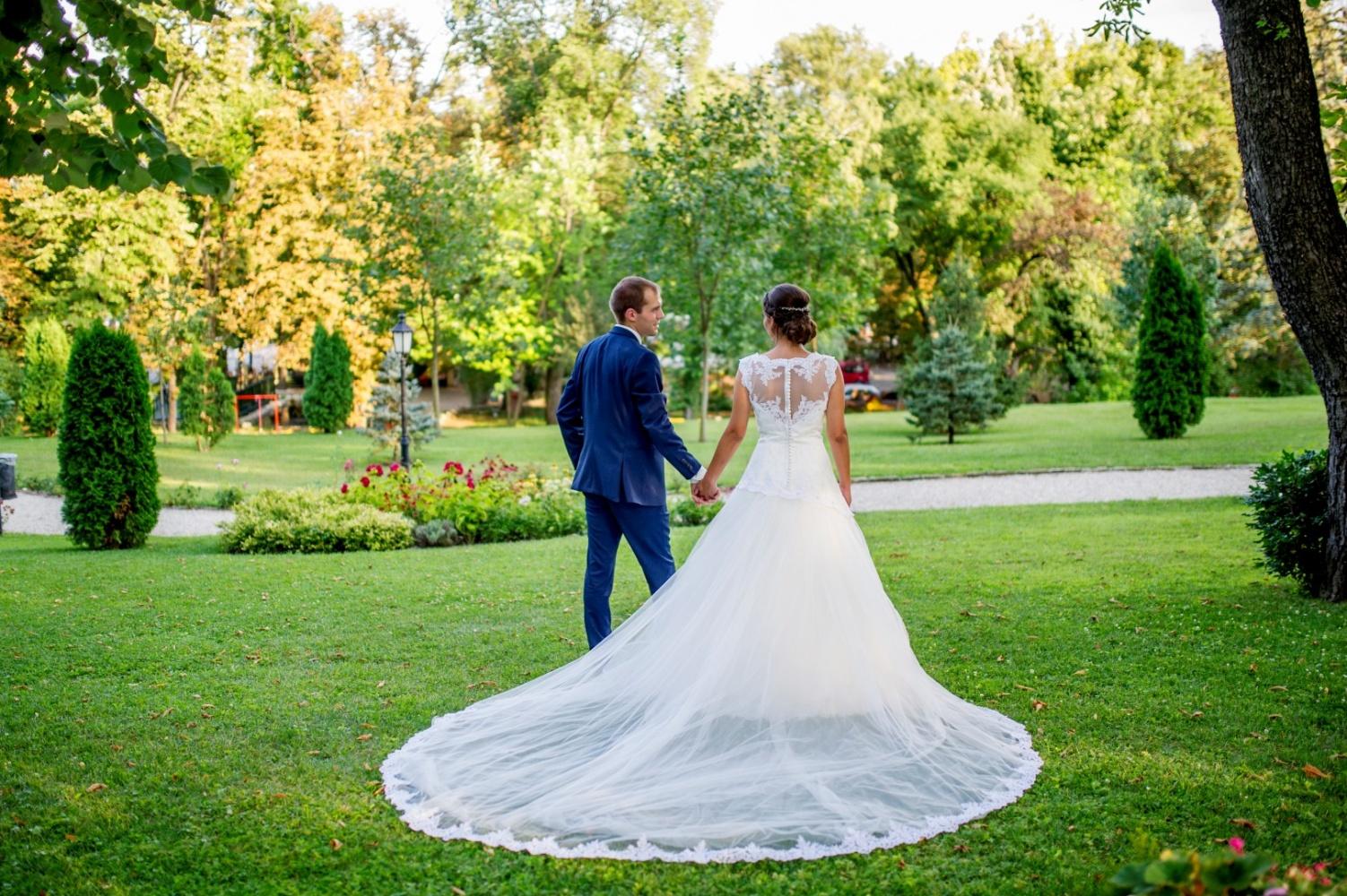 http://www.fotoz.sk/images/gallery-41/normal/eskuvoi-fotos_svadobny-fotograf_juraj-zsok_lacny-fotograf_olcso-eskuvoi-fotos_fotograf-nitra_budapesti-fotos_prewedding__039.jpg