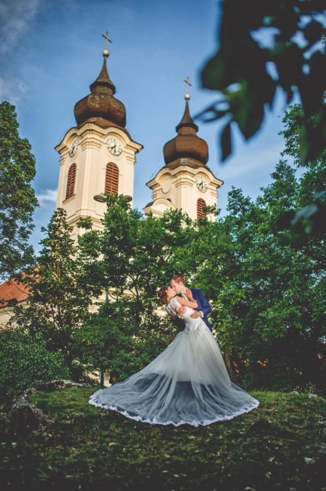 http://www.fotoz.sk/images/gallery-41/normal/eskuvoi-fotos_svadobny-fotograf_juraj-zsok_lacny-fotograf_olcso-eskuvoi-fotos_fotograf-nitra_budapesti-fotos_prewedding__091.jpg