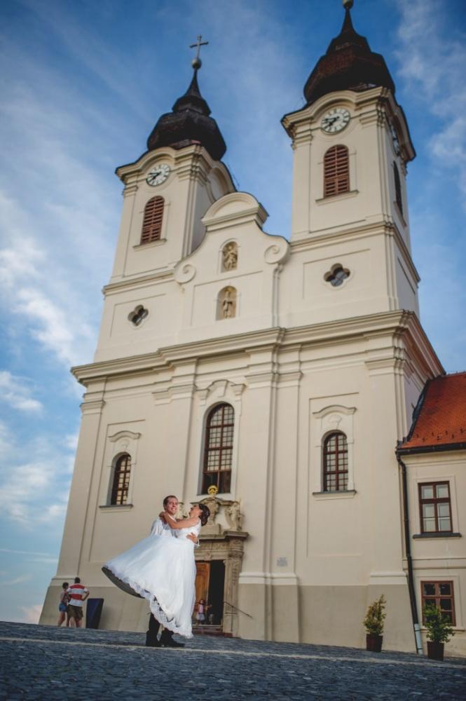 http://www.fotoz.sk/images/gallery-41/normal/eskuvoi-fotos_svadobny-fotograf_juraj-zsok_lacny-fotograf_olcso-eskuvoi-fotos_fotograf-nitra_budapesti-fotos_prewedding__094.jpg