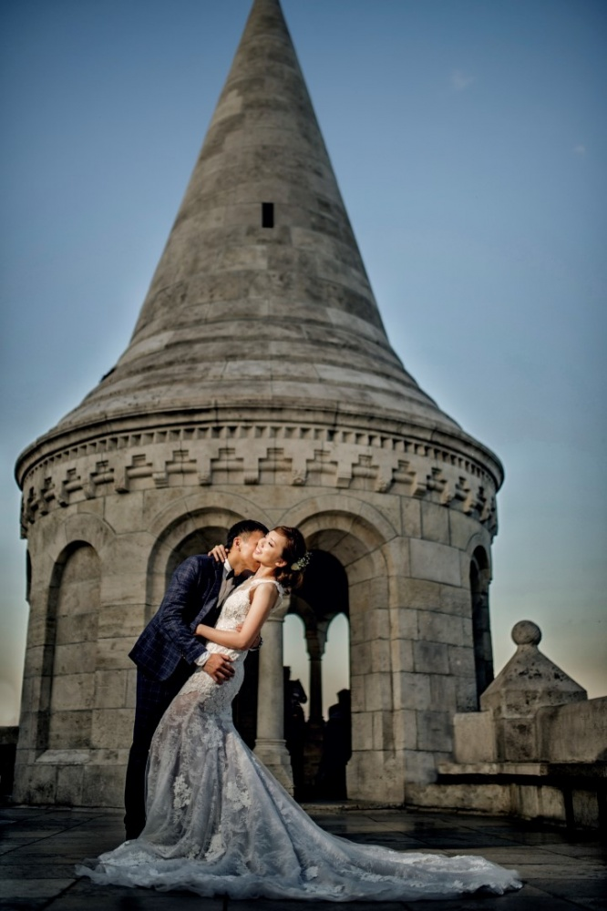 http://www.fotoz.sk/images/gallery-43/normal/svadobny-fotograf_svadobne-fotky_prewedding-budapest_juraj-zsok_eskuvoi-fotos_eskuvoi-fotozas_007.jpg