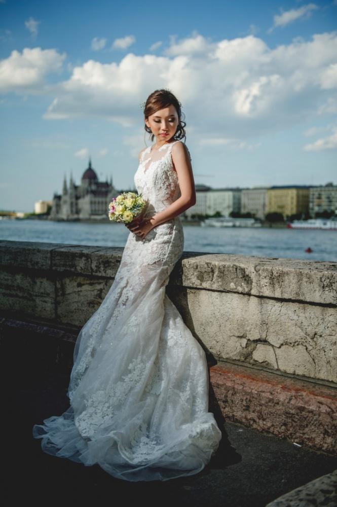 http://www.fotoz.sk/images/gallery-43/normal/svadobny-fotograf_svadobne-fotky_prewedding-budapest_juraj-zsok_eskuvoi-fotos_eskuvoi-fotozas_022.jpg