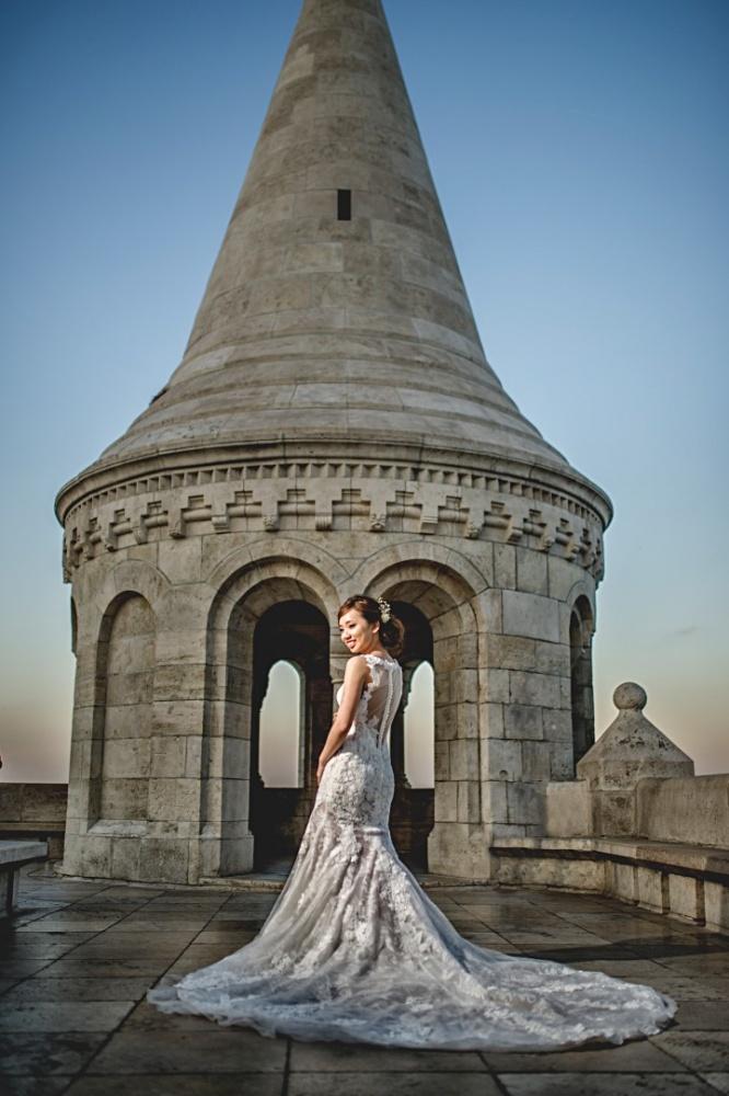 http://www.fotoz.sk/images/gallery-43/normal/svadobny-fotograf_svadobne-fotky_prewedding-budapest_juraj-zsok_eskuvoi-fotos_eskuvoi-fotozas_025.jpg