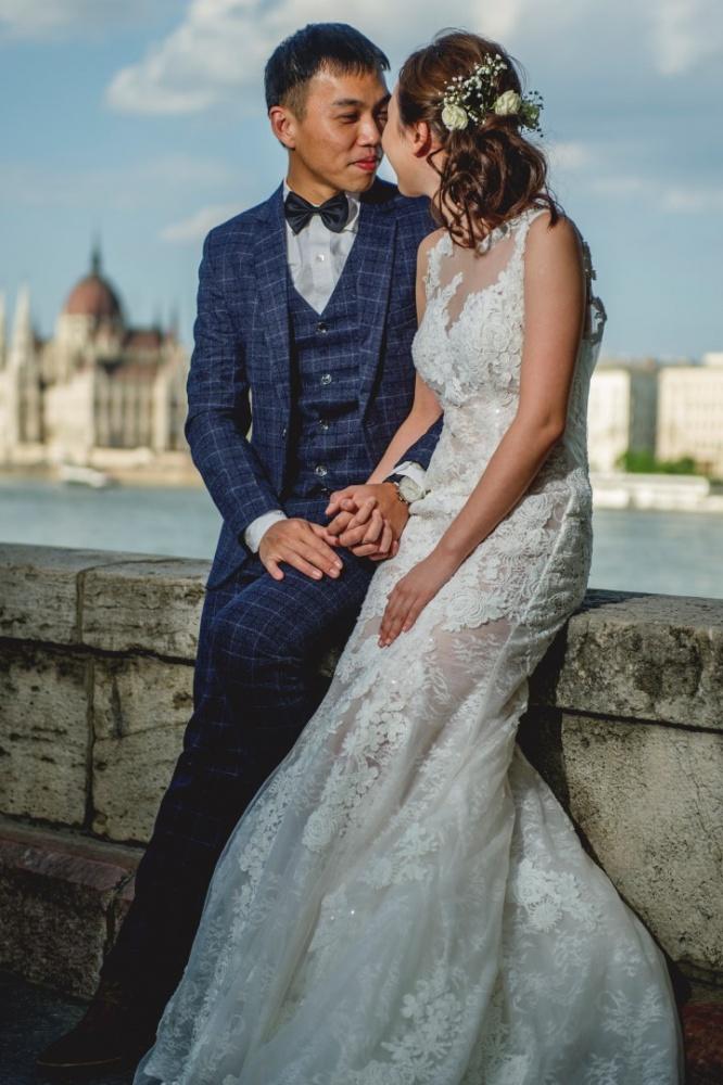 http://www.fotoz.sk/images/gallery-43/normal/svadobny-fotograf_svadobne-fotky_prewedding-budapest_juraj-zsok_eskuvoi-fotos_eskuvoi-fotozas_030.jpg