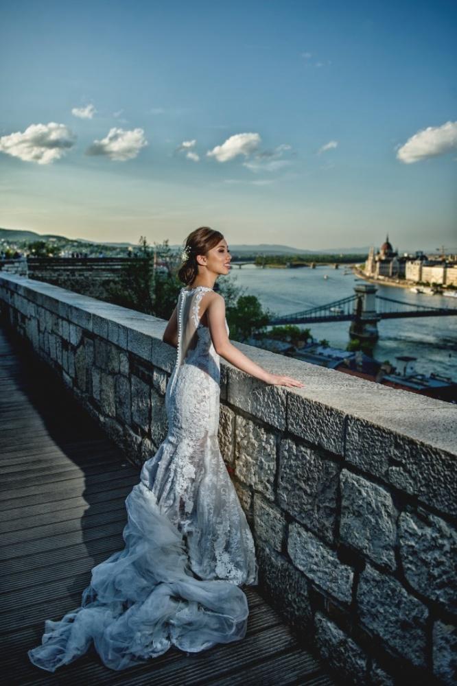 http://www.fotoz.sk/images/gallery-43/normal/svadobny-fotograf_svadobne-fotky_prewedding-budapest_juraj-zsok_eskuvoi-fotos_eskuvoi-fotozas_032.jpg