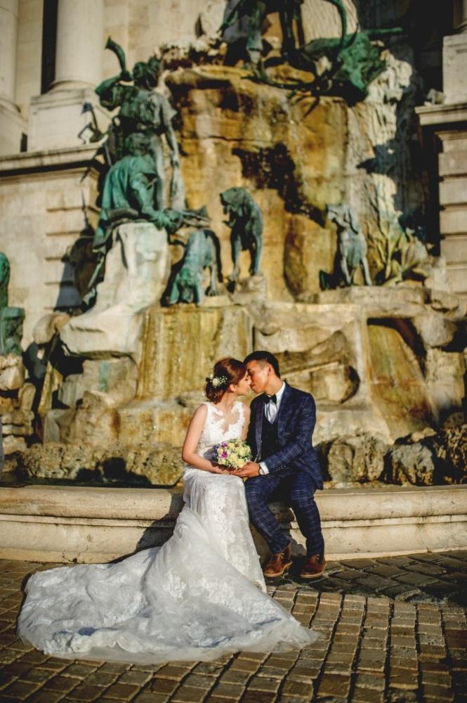 http://www.fotoz.sk/images/gallery-43/normal/svadobny-fotograf_svadobne-fotky_prewedding-budapest_juraj-zsok_eskuvoi-fotos_eskuvoi-fotozas_052.jpg