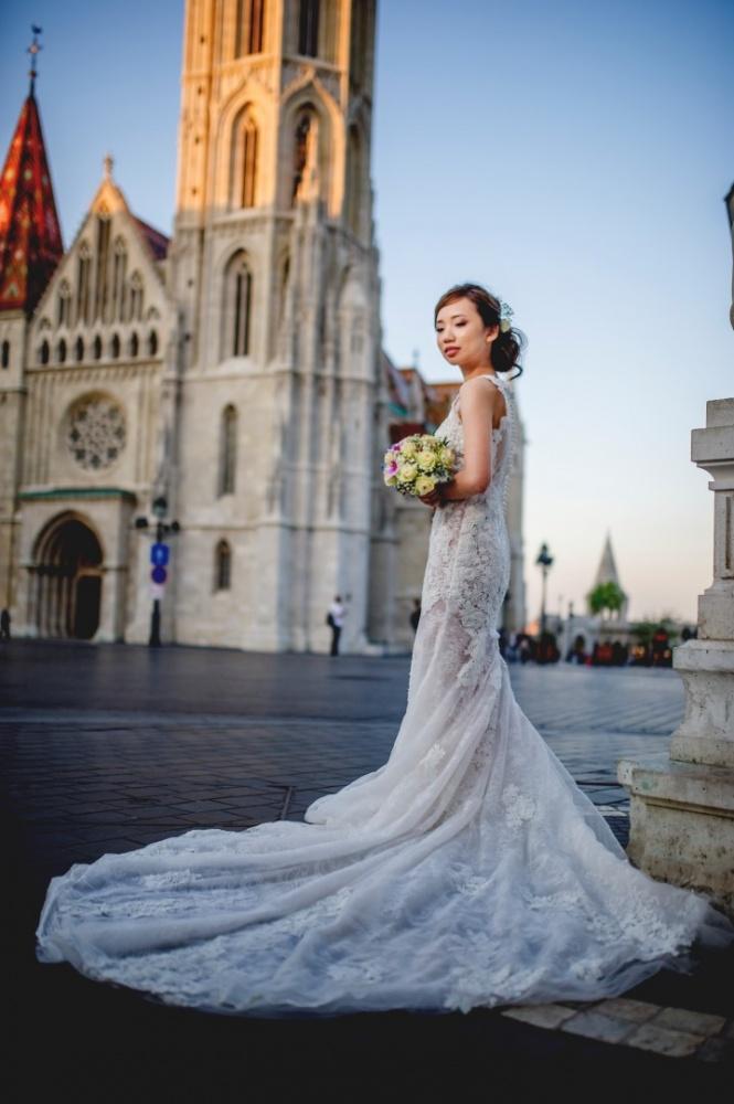http://www.fotoz.sk/images/gallery-43/normal/svadobny-fotograf_svadobne-fotky_prewedding-budapest_juraj-zsok_eskuvoi-fotos_eskuvoi-fotozas_063.jpg
