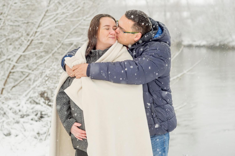 http://www.fotoz.sk/images/gallery-47/normal/teli-kismama-fotozas_kismama-fotok_winter-pregnacy-photo_fotenie-tehuliek_winter-maternity-foto_teli-kismama_tehulka_tehulka-foto_zimne-fotenie_kreativ-kismama-fotozas_041.jpg