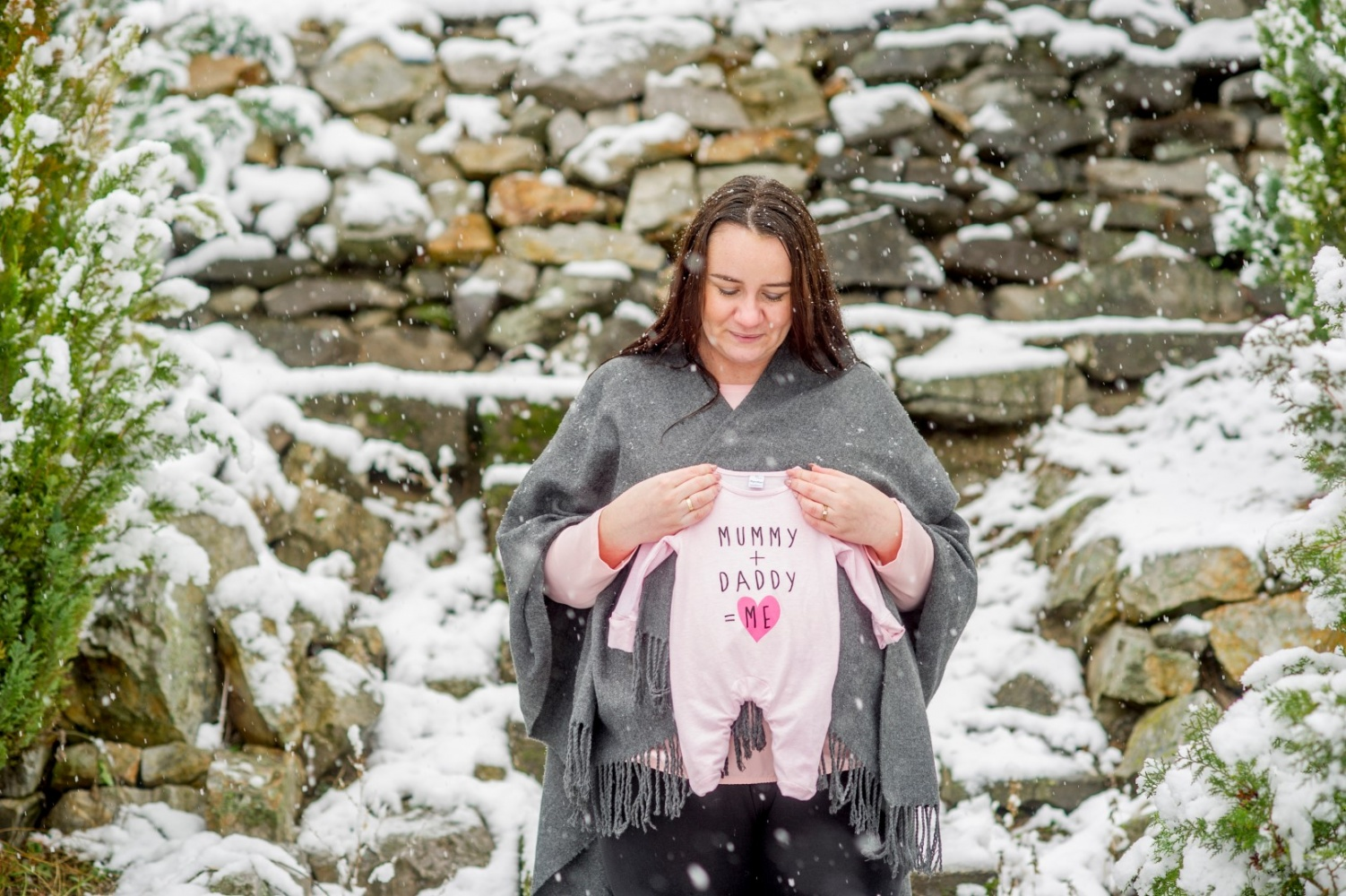 http://www.fotoz.sk/images/gallery-47/normal/teli-kismama-fotozas_kismama-fotok_winter-pregnacy-photo_fotenie-tehuliek_winter-maternity-foto_teli-kismama_tehulka_tehulka-foto_zimne-fotenie_kreativ-kismama-fotozas_059.jpg