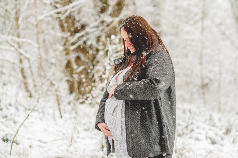 http://www.fotoz.sk/images/gallery-47/normal/teli-kismama-fotozas_kismama-fotok_winter-pregnacy-photo_fotenie-tehuliek_winter-maternity-foto_teli-kismama_tehulka_tehulka-foto_zimne-fotenie_kreativ-kismama-fotozas_063.jpg