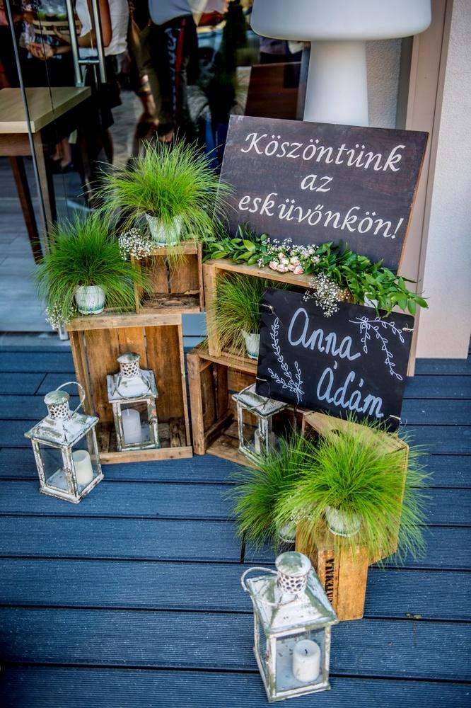 http://www.fotoz.sk/images/gallery-5/normal/eskuvo_rengo-bisztro_172.jpg