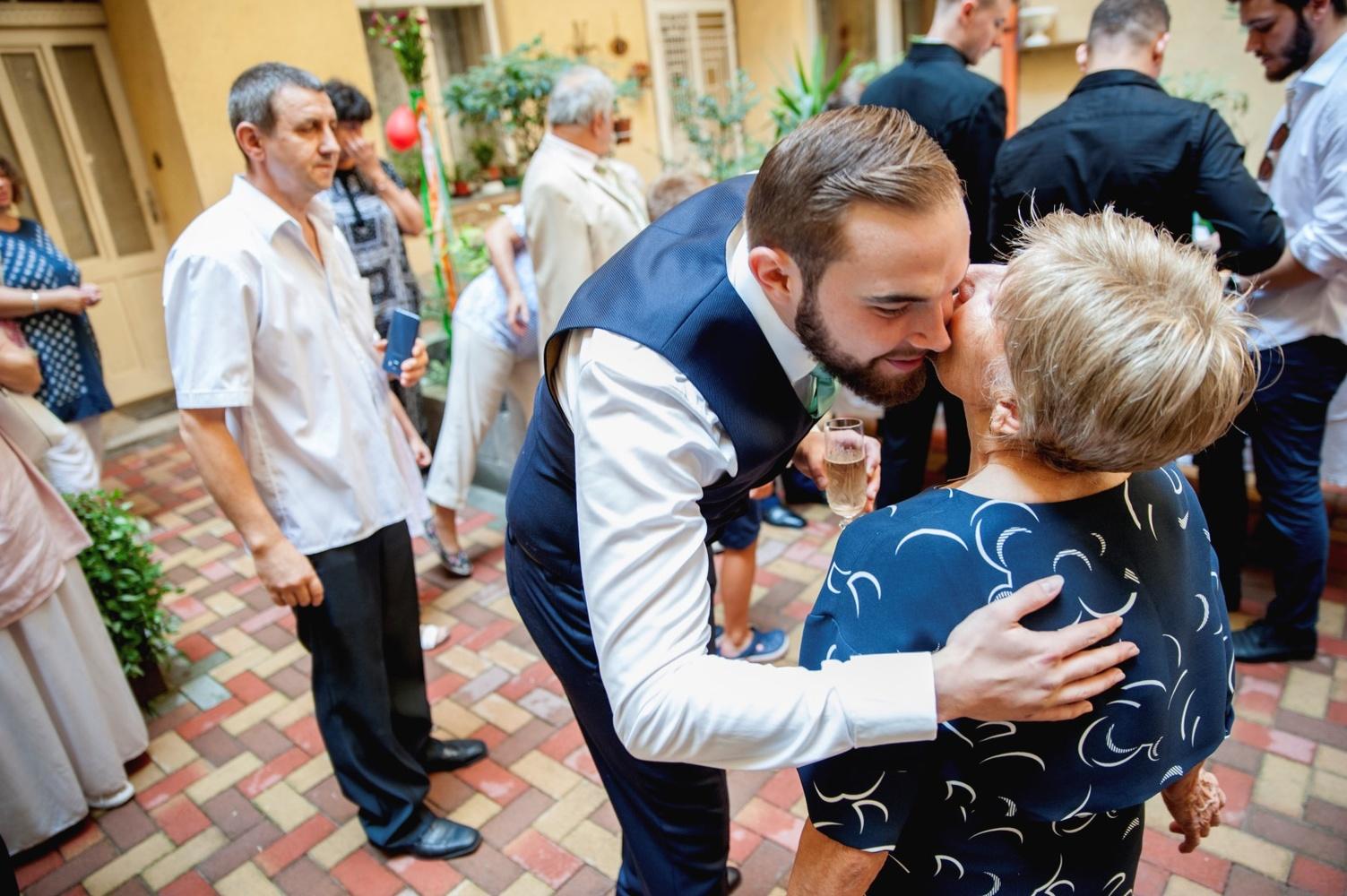 http://www.fotoz.sk/images/gallery-6/normal/eskuvo_palma-rendezvenyhaz_064.jpg