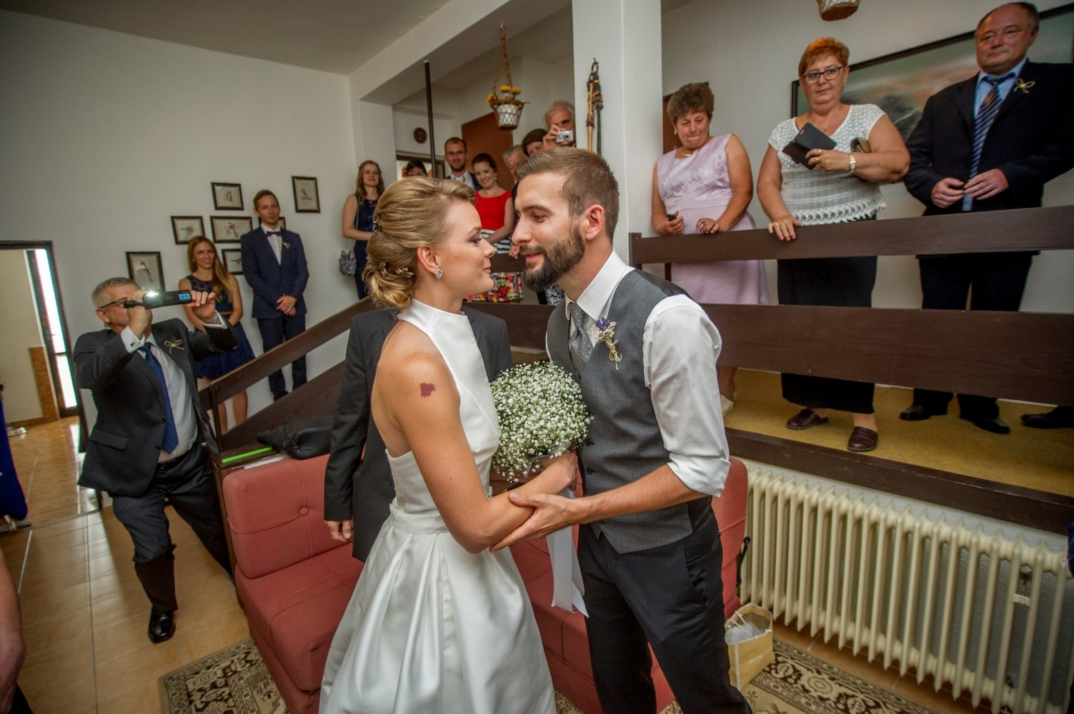 http://www.fotoz.sk/images/gallery-8/normal/eskuvoi-fotos_svadobny-fotograf_402.jpg