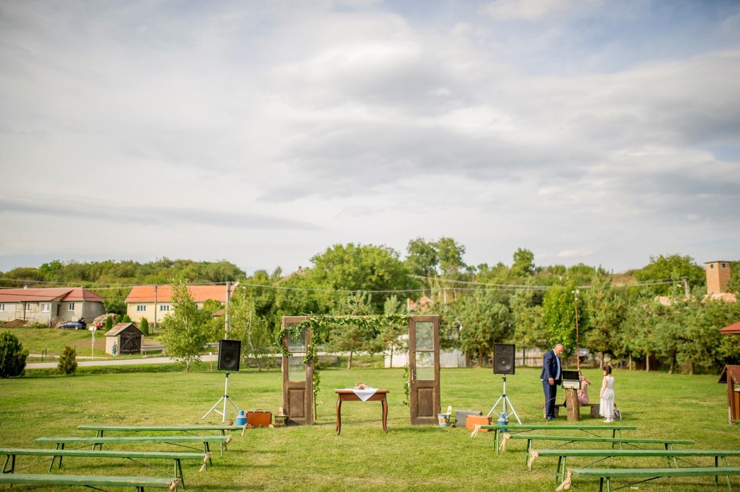 http://www.fotoz.sk/images/gallery-8/normal/eskuvoi-fotos_svadobny-fotograf_414.jpg