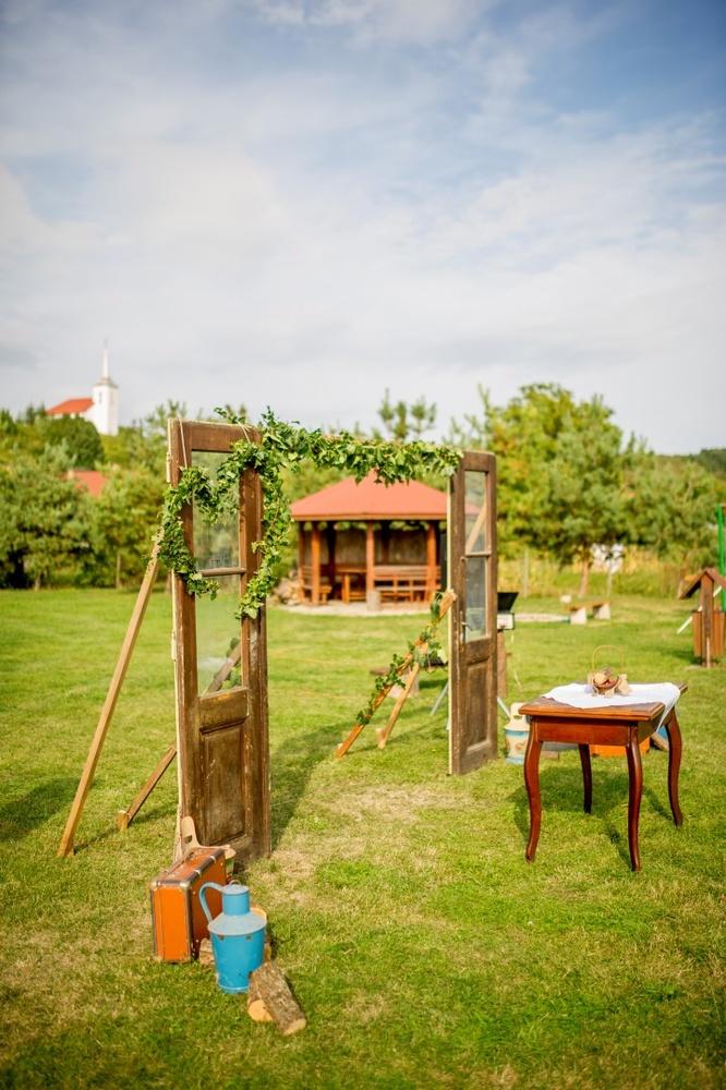 http://www.fotoz.sk/images/gallery-8/normal/eskuvoi-fotos_svadobny-fotograf_415.jpg