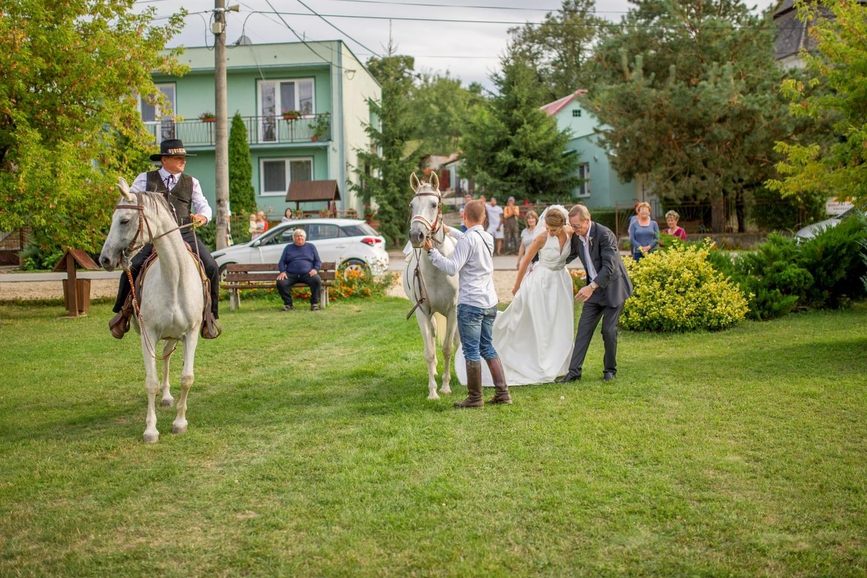 http://www.fotoz.sk/images/gallery-8/normal/eskuvoi-fotos_svadobny-fotograf_422.jpg