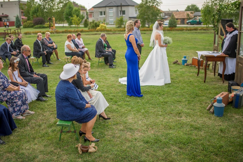 http://www.fotoz.sk/images/gallery-8/normal/eskuvoi-fotos_svadobny-fotograf_435.jpg
