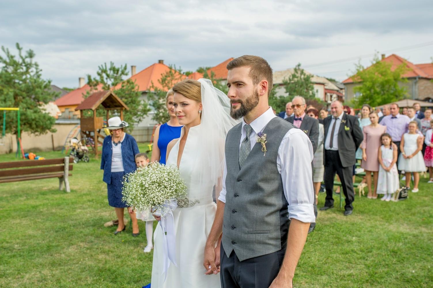 http://www.fotoz.sk/images/gallery-8/normal/eskuvoi-fotos_svadobny-fotograf_440.jpg