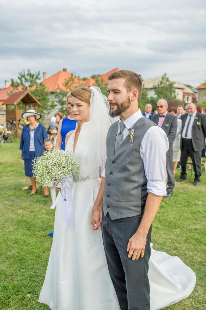http://www.fotoz.sk/images/gallery-8/normal/eskuvoi-fotos_svadobny-fotograf_441.jpg