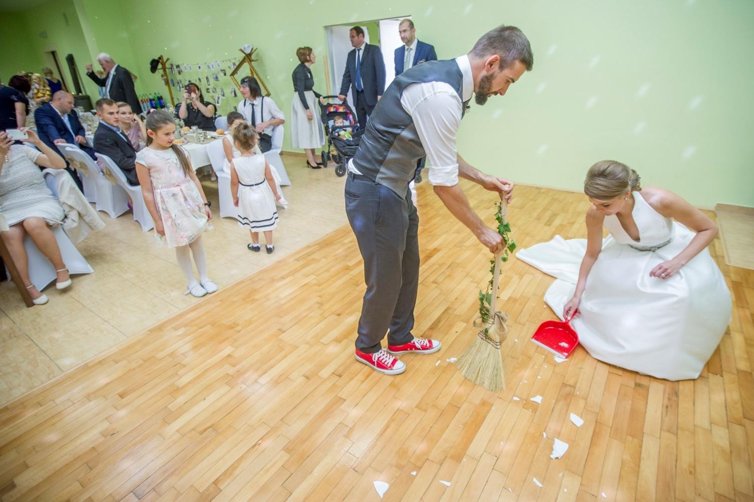 http://www.fotoz.sk/images/gallery-8/normal/eskuvoi-fotos_svadobny-fotograf_492.jpg