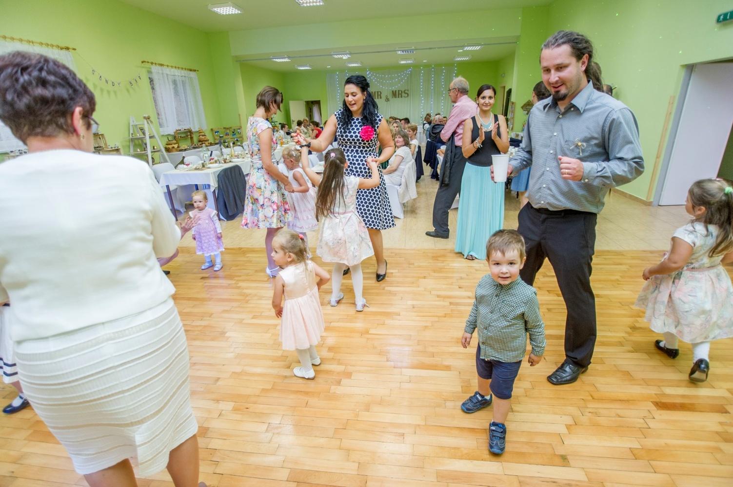 http://www.fotoz.sk/images/gallery-8/normal/eskuvoi-fotos_svadobny-fotograf_507.jpg