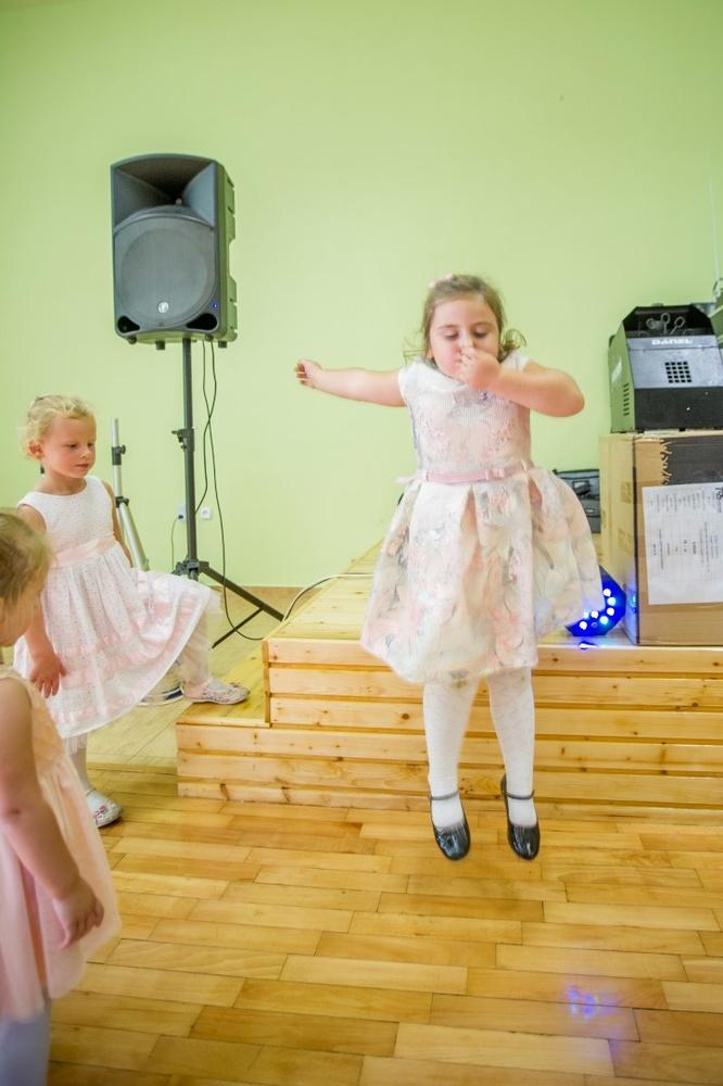 http://www.fotoz.sk/images/gallery-8/normal/eskuvoi-fotos_svadobny-fotograf_514.jpg