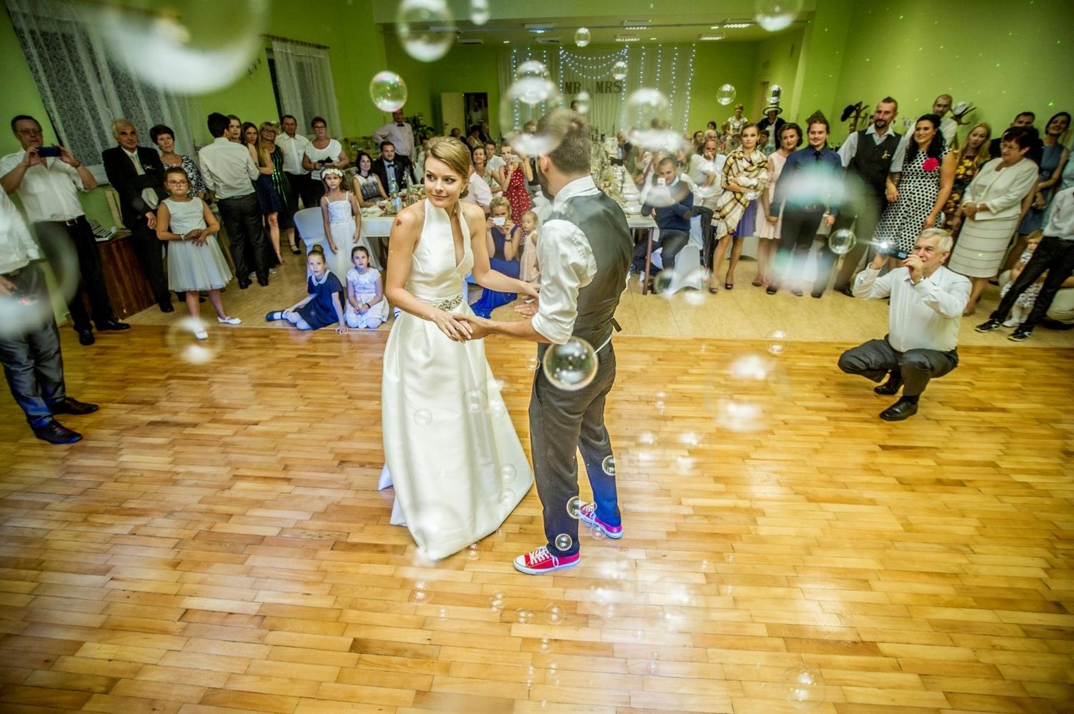 http://www.fotoz.sk/images/gallery-8/normal/eskuvoi-fotos_svadobny-fotograf_523.jpg