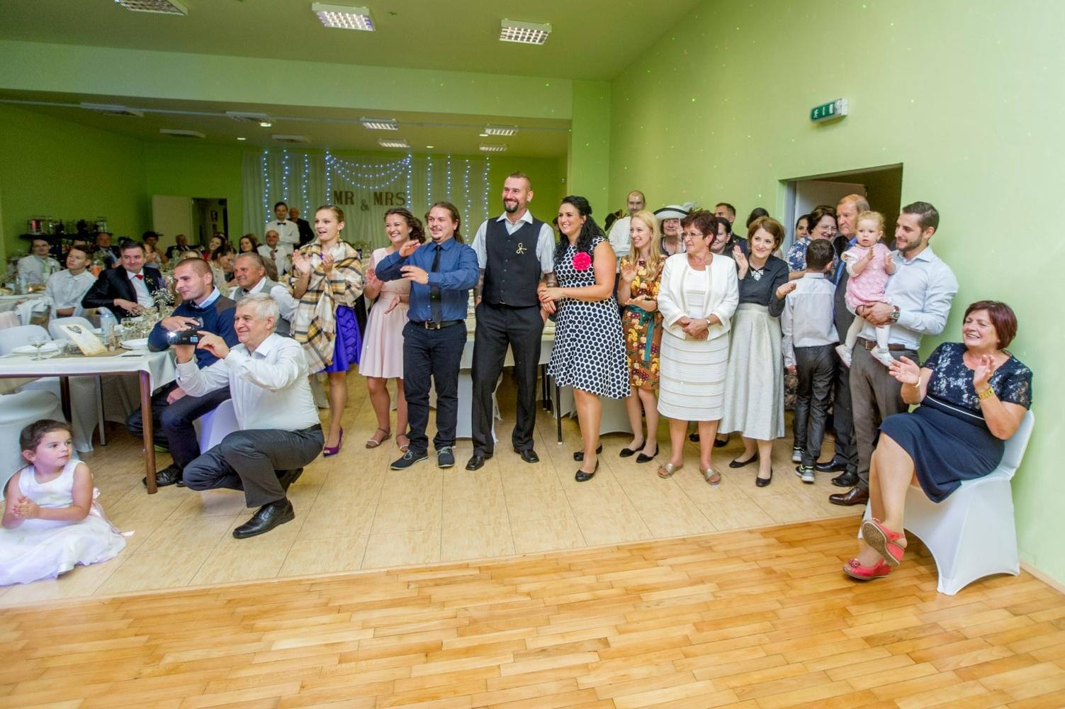 http://www.fotoz.sk/images/gallery-8/normal/eskuvoi-fotos_svadobny-fotograf_530.jpg