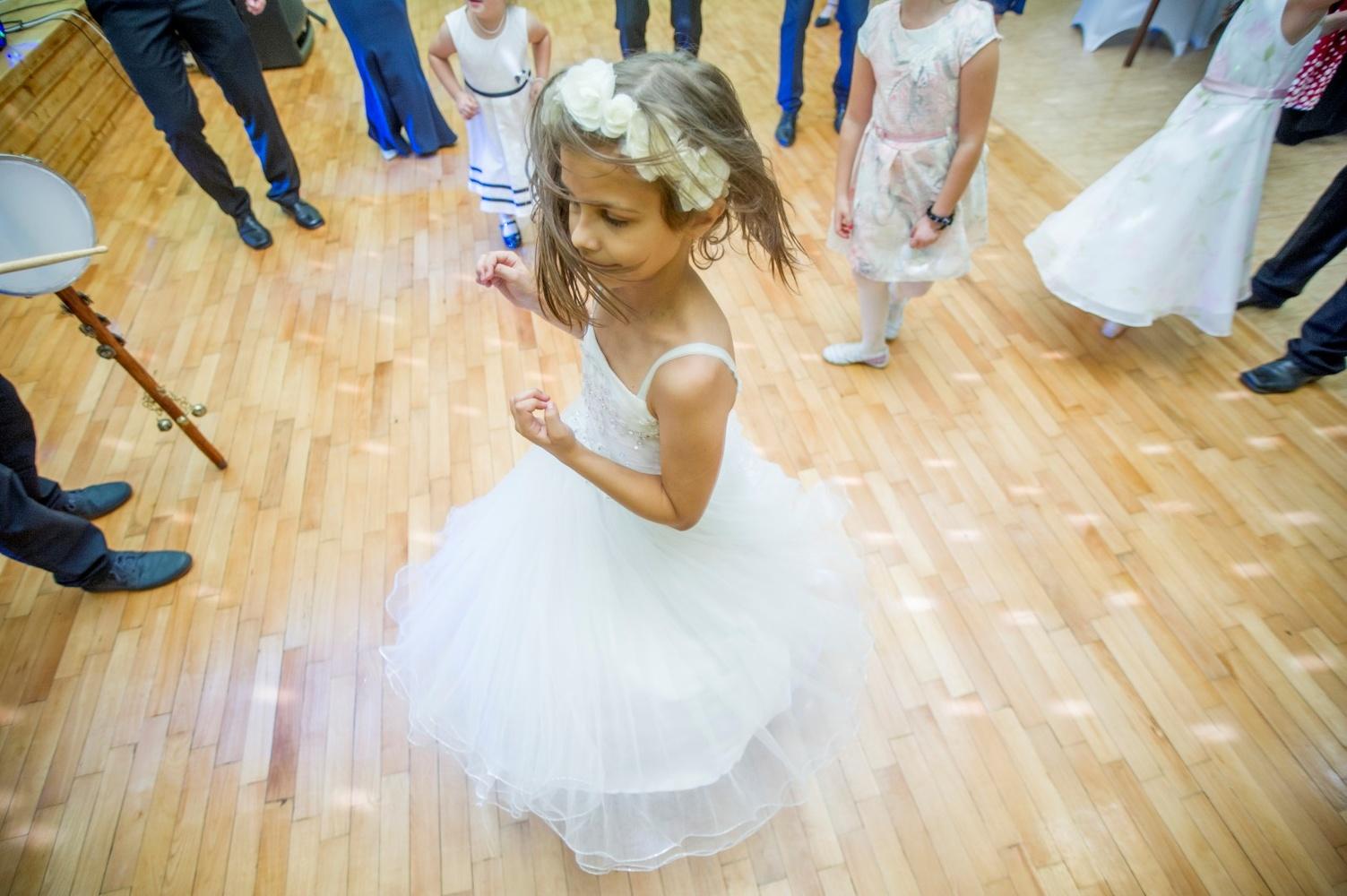http://www.fotoz.sk/images/gallery-8/normal/eskuvoi-fotos_svadobny-fotograf_553.jpg