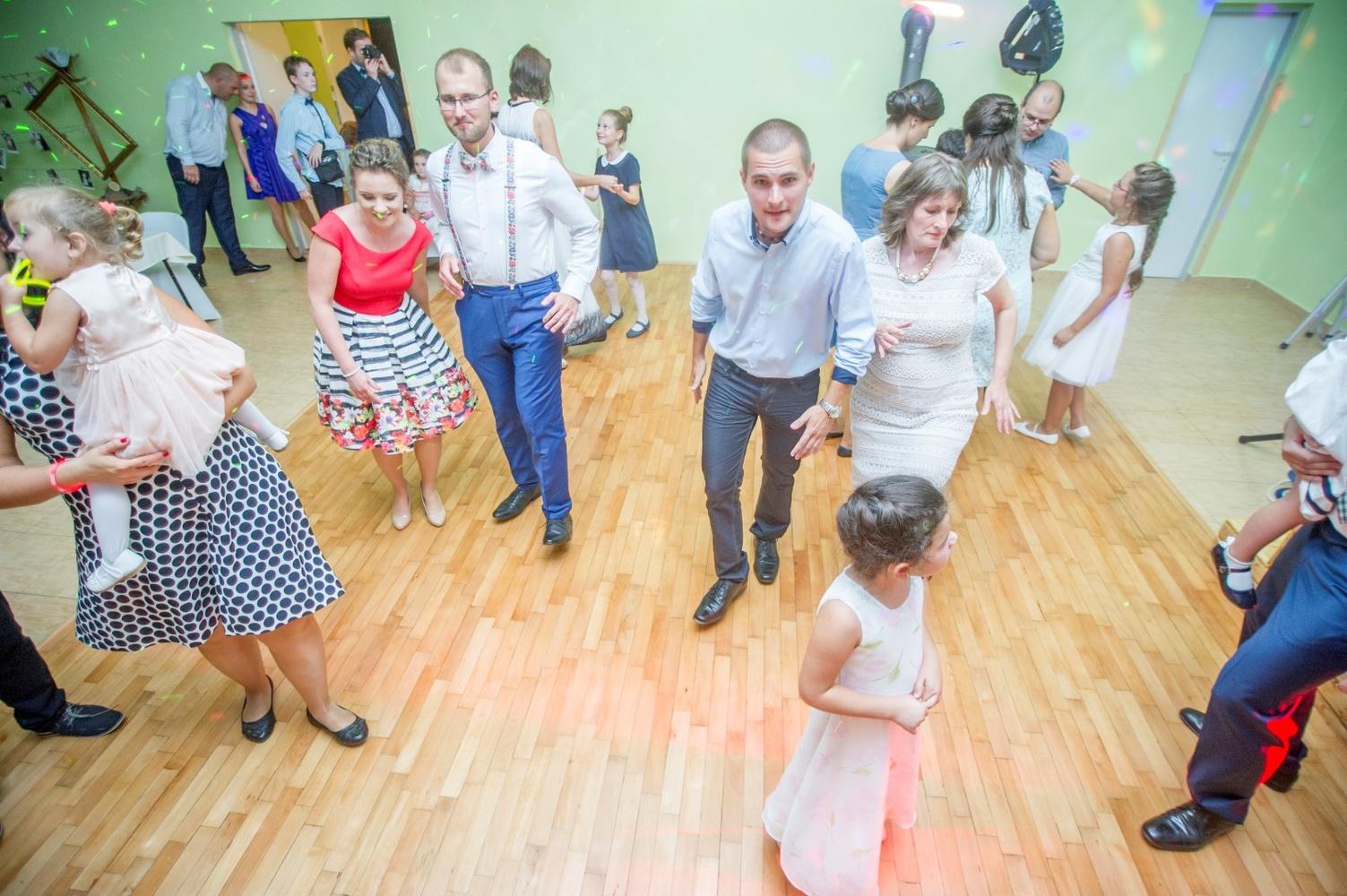 http://www.fotoz.sk/images/gallery-8/normal/eskuvoi-fotos_svadobny-fotograf_567.jpg