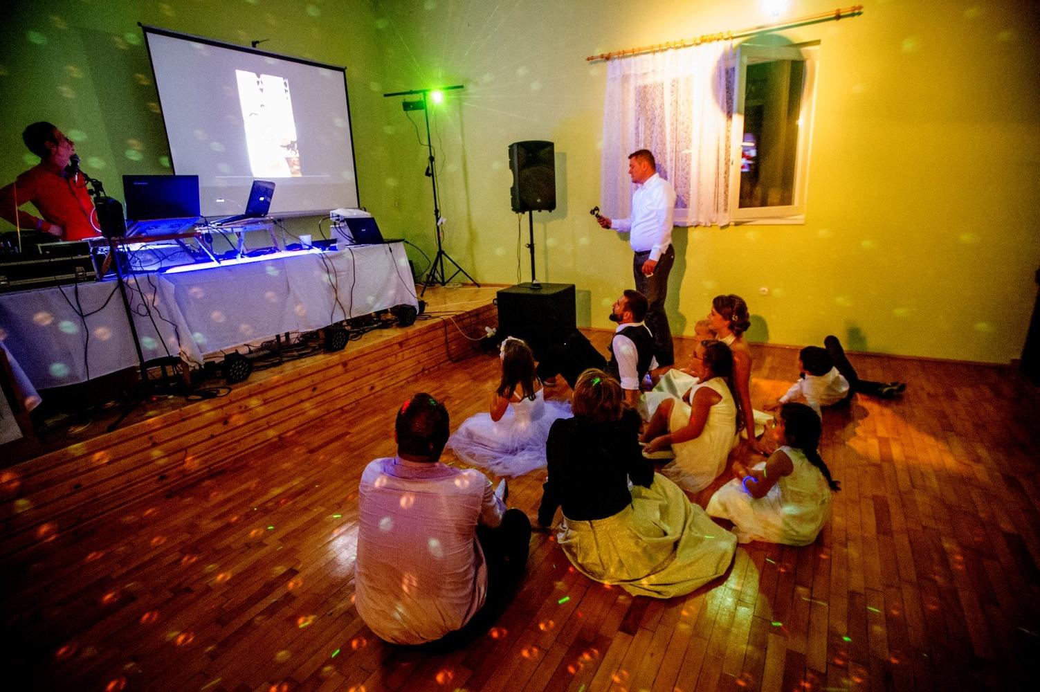 http://www.fotoz.sk/images/gallery-8/normal/eskuvoi-fotos_svadobny-fotograf_585.jpg