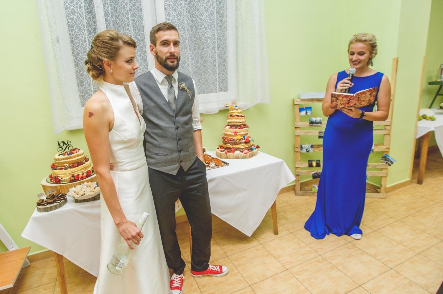 http://www.fotoz.sk/images/gallery-8/normal/eskuvoi-fotos_svadobny-fotograf_586.jpg