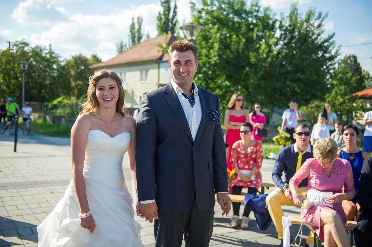 http://www.fotoz.sk/images/gallery-9/normal/eskuvoi-fotos_svadobny-fotograf_059.jpg