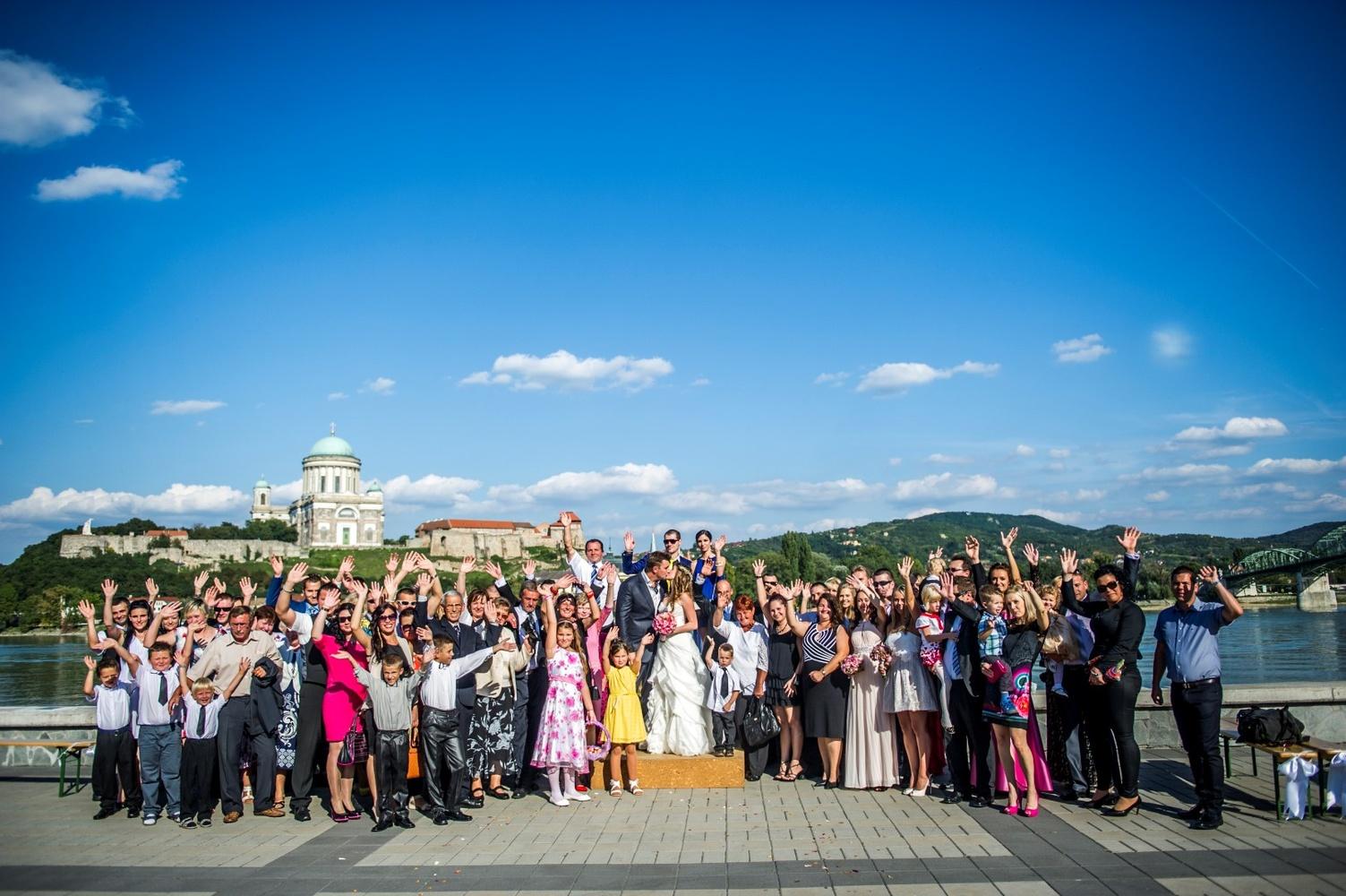 http://www.fotoz.sk/images/gallery-9/normal/eskuvoi-fotos_svadobny-fotograf_099.jpg
